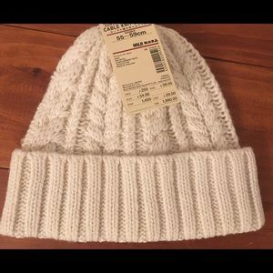 NWT Muji cable knit beanie